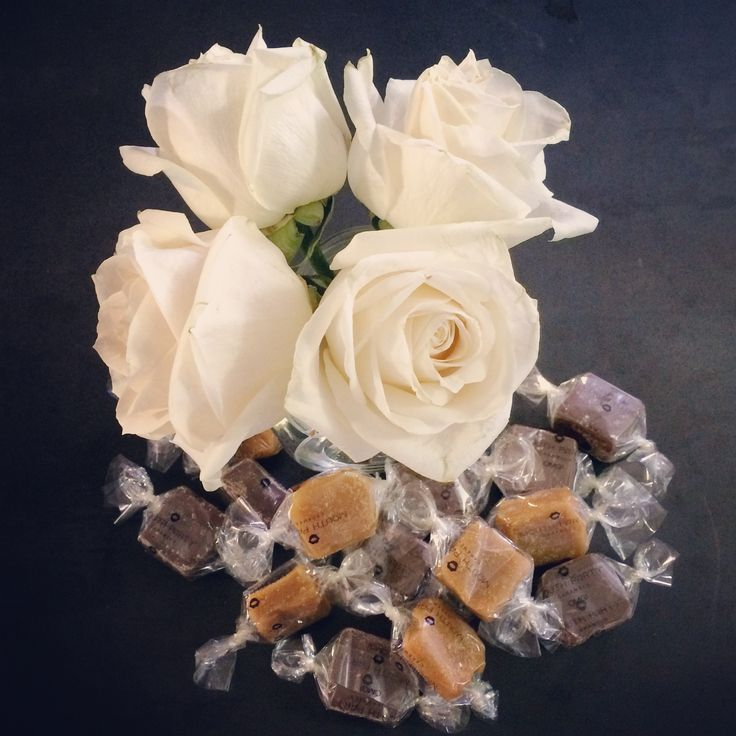 Happy Wedding Season! Lots of options to have our caramels fit your special day.