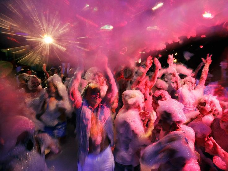 I would LOVE to be involved in a foam party!! It looks like SO much fun!