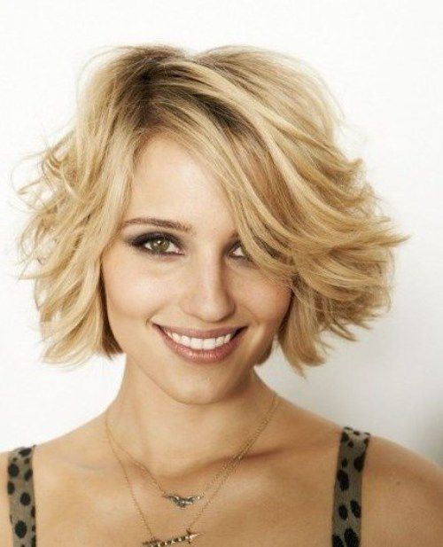 Diana Agron's Glam Short Wavy Hairstyles with upward Ends and Elegant Touch
