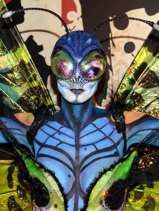 whooa... Heidi Klum's Halloween costume was insane. (As usual.)