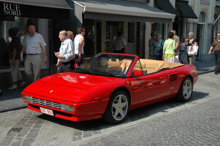 Red_Ferrari_Mondial_Cabrio