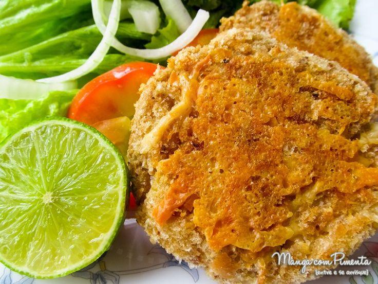 Bolinhos de Atum ao Limão {Polpette di Tonno al Limone - Receita Italiana}, perfeito para um almoço em dias quentes. Clique na imagem para ver a receita no blog Manga com Pimenta.
