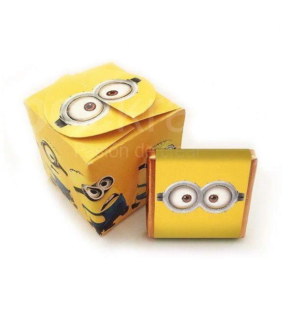 Cajita de Minions con 5 minichocos. Consíguelos en www.beekrafty.com Los personalizamos con lo que quieras. Contáctanos si lo necesitas! #beekrafty #pasionporcrear