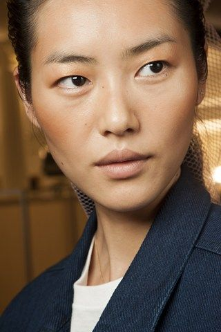 Balmain: Go close-up on the hair and make-up looks from the biggest spring/summer 2015 shows