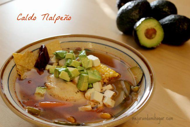 Caldo Tlalpeño Receta Fácil con Aguacate que le encantará a tu familia. Más fácil aún si ya tienes el caldo de pollo listo, prepáralo!