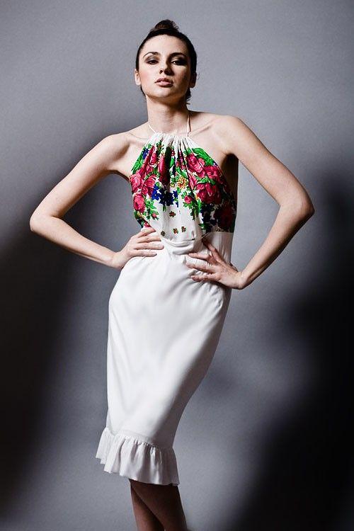 sukienki-Ecru sukienka bez pleców w kwiaty rozm.S-M