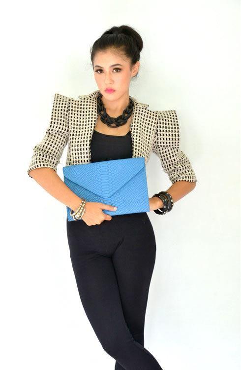 Poison Ivy 5 clutch bag #clutchbag #taspesta #handbag #clutchpesta #fauxleather #kulit #snakeskin #kulitular #animalprint #envelope #amplop #fashionable #simple #messengerbag #colors #blue Kindly visit our website : www.zorrashop.com