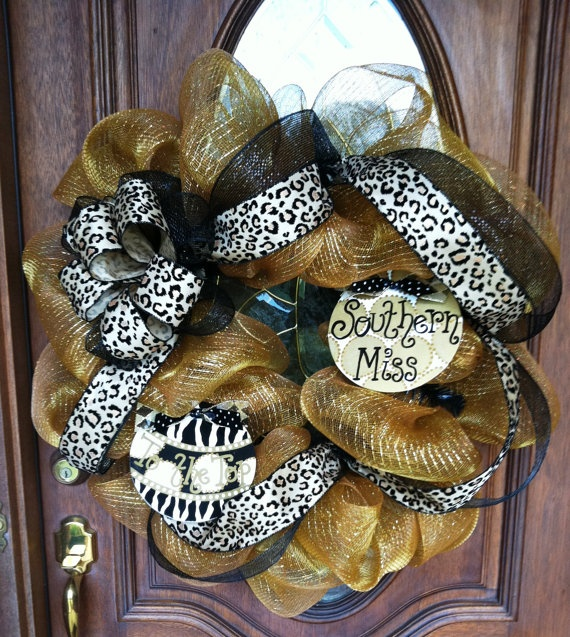 """Southern Miss """"To the Top"""" Wreath    posh thérapie ~ find us on facebook & etsy!"""