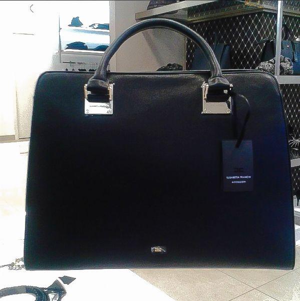 Elisabetta Franchi / Disponibile sul nostro store! #elisabettafranchi #borsa #bags #letichettadicarel