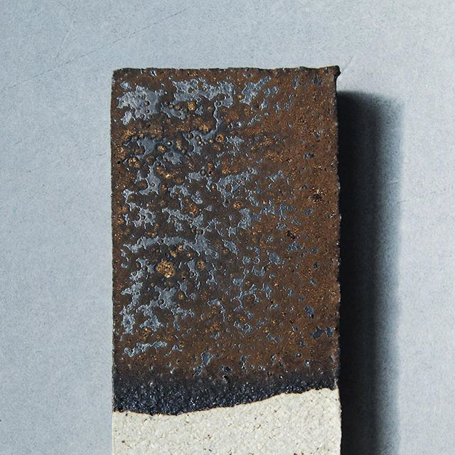 This glaze came out of a body of testing we were doing around metallics, golds and bronzes. It's dark, rich and textural and its matte surface holds little nuggets of sparkly gold goodness. Recipe below and take extra care with the manganese. #anchorglazes  Metallic bronze with gold speckle | Cone 8-9 Ox.  Manganese dioxide 70 China Clay 23 Copper Oxide 7