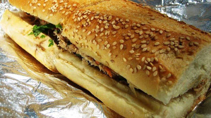 Panino al tonno con peperoni alla griglia, panozzo ricetta. Il panino perfetto