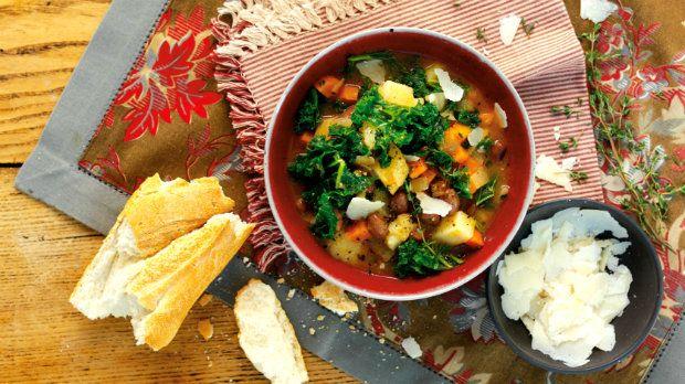 A máme zde další recept pro milovníky hutných a vydatných polévek. Po této polévce už ...