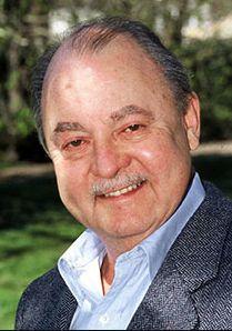 † John Hillerman (84) 09-11-2017 Acteur John Hillerman is op 84-jarige leeftijd overleden in zijn woonplaats Houston. Zijn familie liet dit via een woordvoerder weten. De doodsoorzaak is niet bekend. De Amerikaan werd vooral bekend dankzij zijn belangrijke bijrol als Jonathan Higgins in de populaire jaren 80-serie Magnum P.I. https://youtu.be/B_rCKrzCrMQ