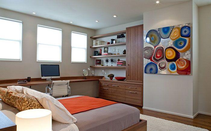 Офис в спальне