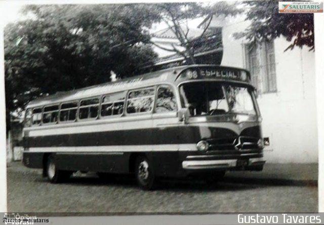Ônibus da empresa Viação Salutaris e Turismo, carro 98, carroceria Mercedes-Benz Monobloco O-321, chassi Mercedes-Benz O-321. Foto na cidade de Três Rios-RJ por Gustavo Tavares, publicada em 28/07/2014 19:14:11.