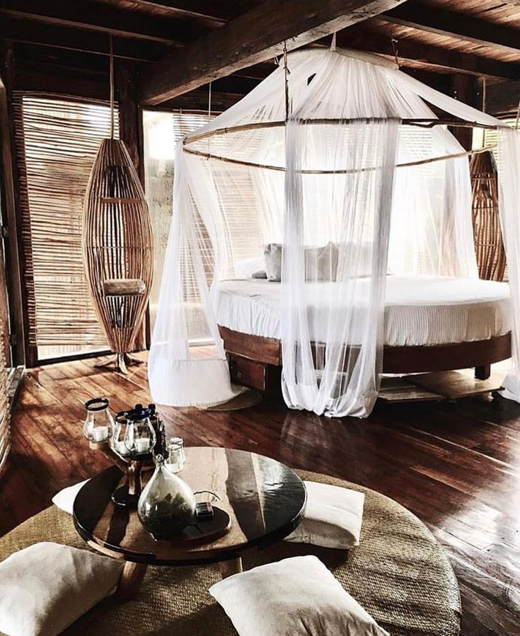 """9,174 curtidas, 147 comentários - Azulik Tulum (@azuliktulum) no Instagram: """"♀️Who wants to give up on society and go live in a treehouse with me? ♀️ #Treehouse #Live…"""""""
