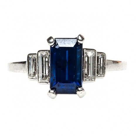 Sapphire Art Deco Engagement Ring. I am loving the look of this! Would be stunning even without the sapphire! - Agnes Karsai.