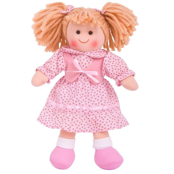 Stoffen pop Sophie 28 cm  Deze geheel stoffen pop met de naam Sophie is een echte aanwinst voor iedere poppenmoeder.  Ideaal te combineren met onze poppenwagens, poppenbedjes en poppenstoelen.  Bigjigs poppen zijn leverbaar in 3 verschillende hoogtes - 28 cm, 35 cm en 38 cm. Alle poppen inspireren tot het spelen van rollenspellen.