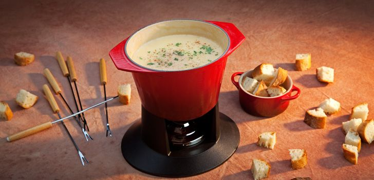 ... creuset fondue crucible tnt recipe fondue le traditional cheese