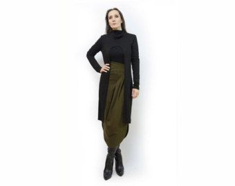 Stylish knit brown long jacket made from a soft knit fabric * Excellent quality, easy to wear * Slim cut, moderately long * Open front, hood, long sleeves * Really warm, cozy and comfy, cool urban coverup * An easy to wear piece, you will wear it constantly * Handmade   Available in different sizes:  Brown Black M, L  https://www.etsy.com/ca/shop/AnnaPerena  Shop sizing chart FYI (made according to US sizing)  SIZE XS(German 30-32, US S 0-2, UK 6-8, Italian 36-38, Fre...