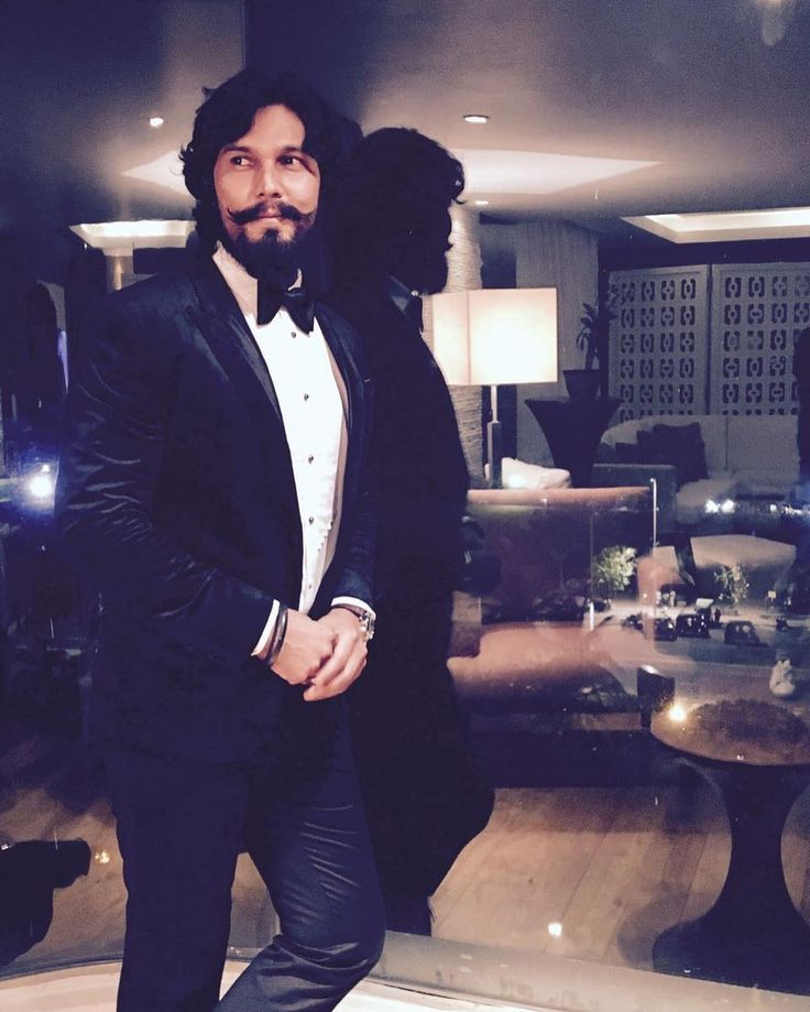 .#colombo #StepOutAtMidNight #saturdayfeelings #tuxedo #dapper thank you #TroyCosta all the best 4 #ParisFashionWeek