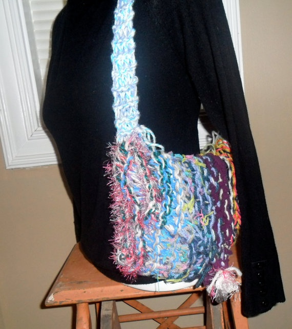 Uniquely knittedSignature style purseLined in by jumpoutofthebox, $18.00