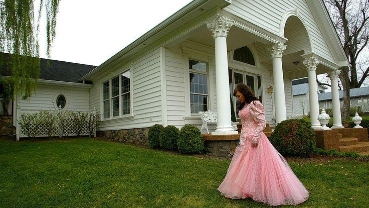 Loretta Lynn Ranch  - CountryLiving.com