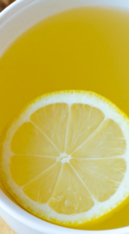 3-Ingredient Lemon Ginger Detox Tea Recipe ~ A tasty fresh-made tea to jumpstart your diet!