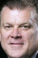 Brad Underwood ( #BradUnderwood ) - an American college basketball coach who is the current head coach for the Illinois men's basketball team, formerly coaching Oklahoma State, Stephen F. Austin, Dodge City Community College and Daytona Beach Community College - born on Saturday, December 14th, 1963 in McPherson, Kansas, United States