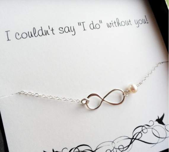 a bridesmaid thank you! sooo cute!!!: Bridesmaid Cards, Gifts Ideas, Infinity Necklaces, Cute Ideas, Bridesmaid Gifts, Infinity Bracelets, Infinity Symbols, Thanks You Cards, Random Pin