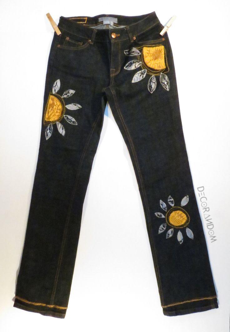 jeans nero donna,pantalone nero donna,taglia 40,denim nero,denim donna,pantaloni decorati,girasole giallo,ricamati,con pizzo,upcycled p5 di decorandom su Etsy