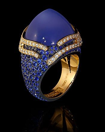 Ring Fuji - Mousson Atelier Yellow gold, Chalcedony 18,31 ct., Diamonds, Sapphires