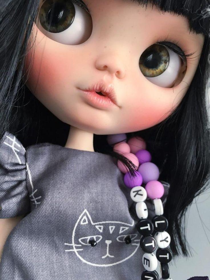 VERKAUFT, Blythe Puppe * Kätzchen *. Blythe schwarze Haare. Blythe benutzerdefinierte Puppe. OOAK Blythe Doll. Benutzerdefinierte Blythe Puppe. Kugelgelenk Puppe. Innenpuppe