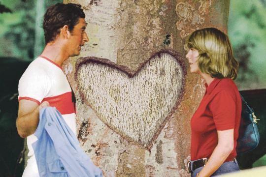 Charles und Camilla Parker-Bowles 1975 nach einem Polospiel. Sie war damals seit zwei Jahren verheiratet, er ging 1981 die Ehe mit Diana Spencer ein