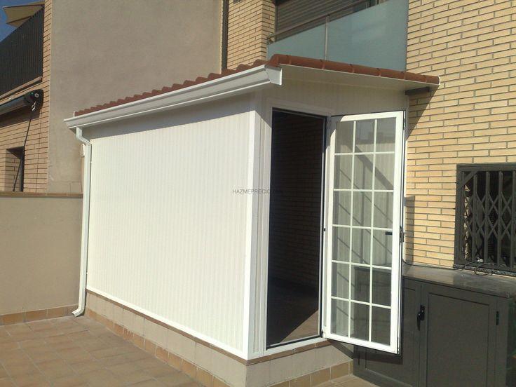 Todo tipo de cerramientos en terrazas o armarios de aluminio: Aquí, el cliente nos pidió que lo hicieramos un cerramiento  para que no entre agua ni polvo y a la vez lo pudiera utilizar como de armario trastero.