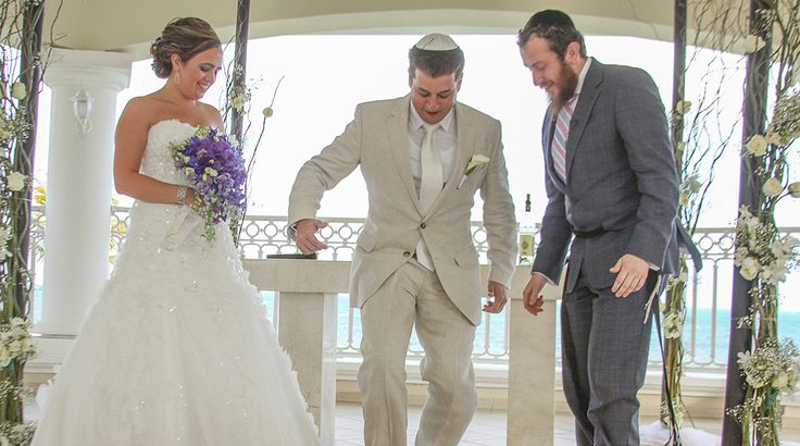 The breaking of a glass! Beautiful destination wedding ceremony at Moon Palace Cancun #destinationwedding