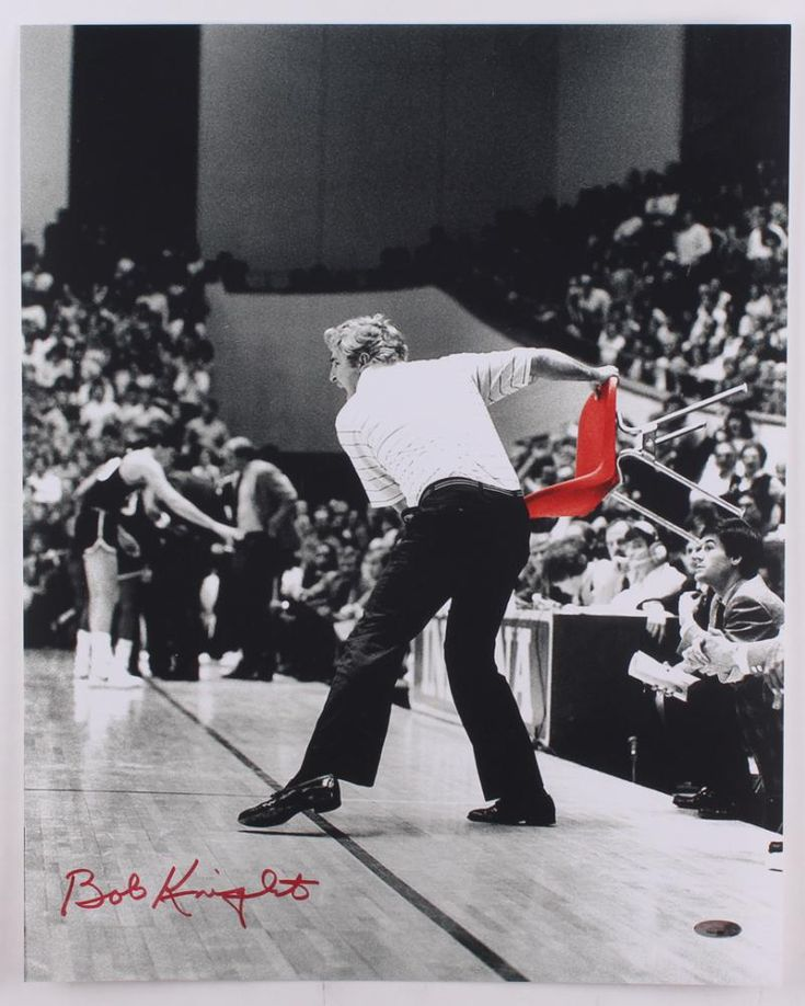 Bob Knight Signed Indiana Hoosiers 16x20 Chair Throwing Photo – Miller Memorabilia