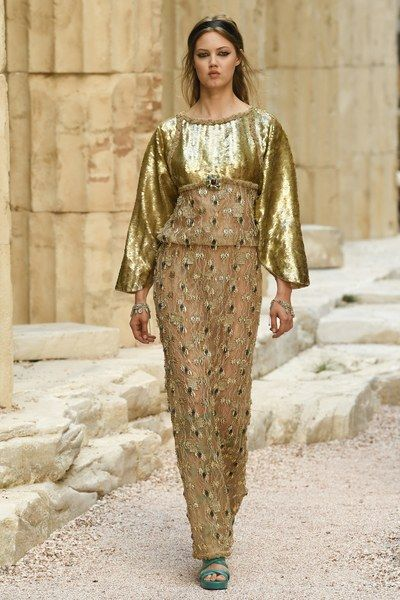 View the complete Resort 2018 collection from Chanel.