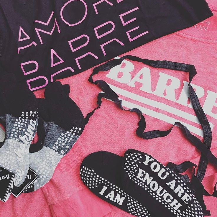 NEW STUFF LADIES #barrefashion #hoody #socks #tanks #pink #black #sexy  #youpilacompany #sport #fashion #ilike #style #activewear #barreworkoutdüsseldorfyoupila ##barreworkoutgermany #barrestudiosdüsseldorf#Yoga #training #goodvibes #düsseldorf #sportsfashion #special #female #professional #youpilastudiodüsseldorf #barresocks @barresocks #thankyou