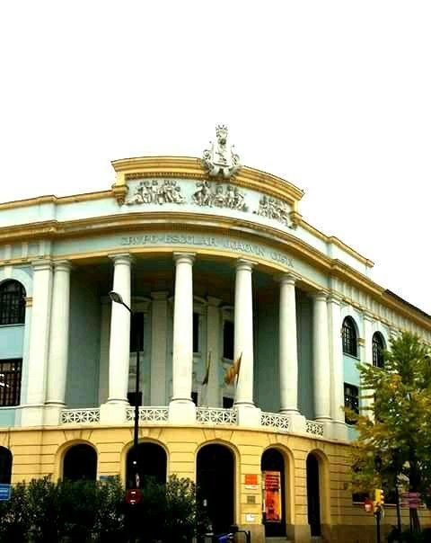 Colegio Joaquin Costa.