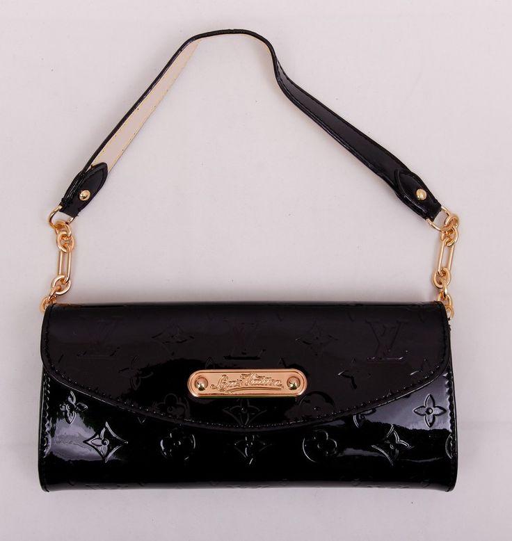 Клатч Louis Vuitton из натуральной лакированной кожи черного цвета с ручкой на цепочке. Размер 24x11x5cm #19628