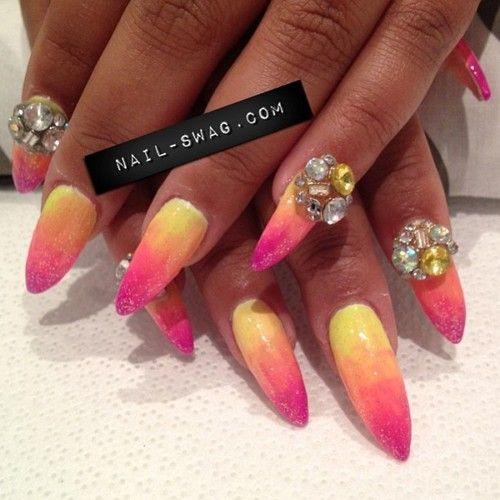 OMG I love that nails