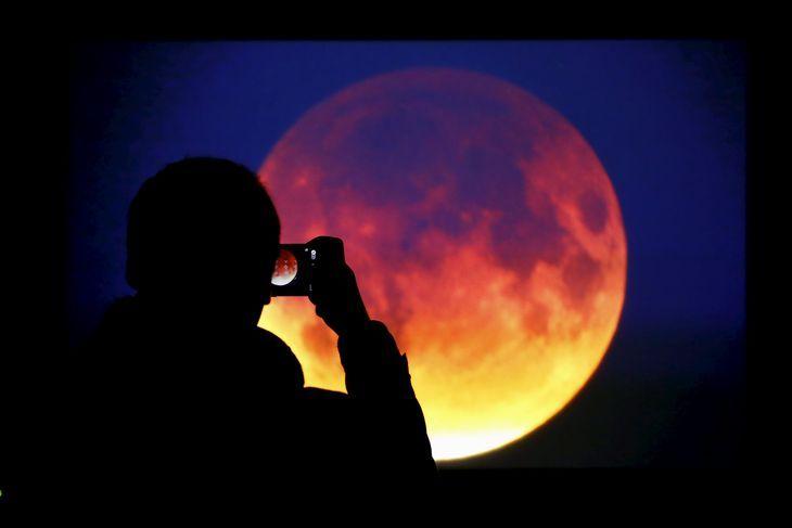 Kacper Pempel / Reuters - éclipse de lune