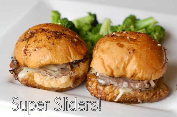 Awesome looking little roast beef sliders...perfect munchie food for get togethers.