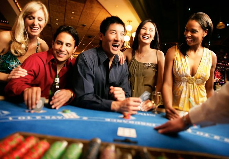 New Zealand players love gambling online and there are a vast number of casinos that cater to those specifically in this region.  https://www.onlinecasinogames.co.nz