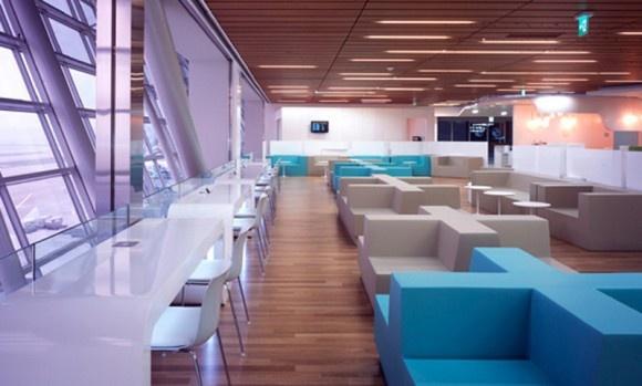 Proyecto Áreas Lounge, sofas y asientos modelo Club y Seattle Cross de Quinze and Milan realizado en espuma de poliuretano FoamQM, apto tanto para interior como para exterior. Mobiliario de diseño para oficinas, restauración, hoteles y contract. (Espacio Aretha agente exclusivo para España)