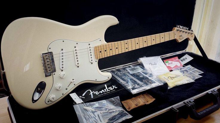 Fender USA Standard Stratocaster 2009 Vintage White