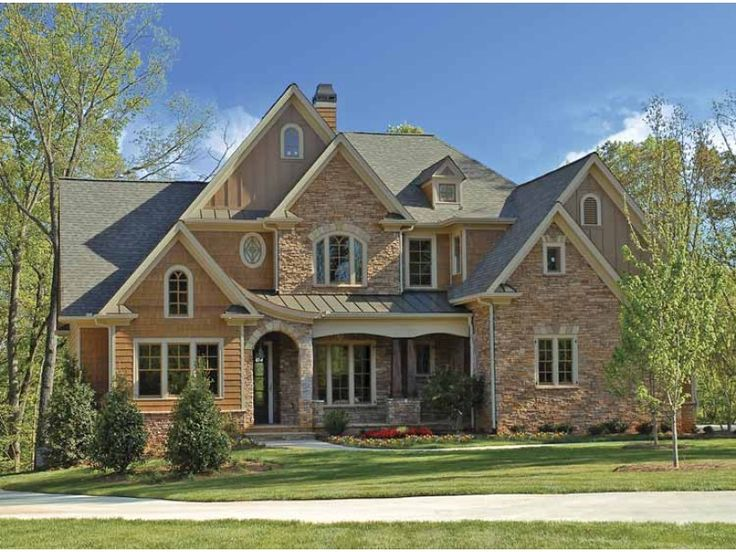 European House Plan with 3766 Square Feet and 4 Bedrooms from Dream Home Source | House Plan Code DHSW68010