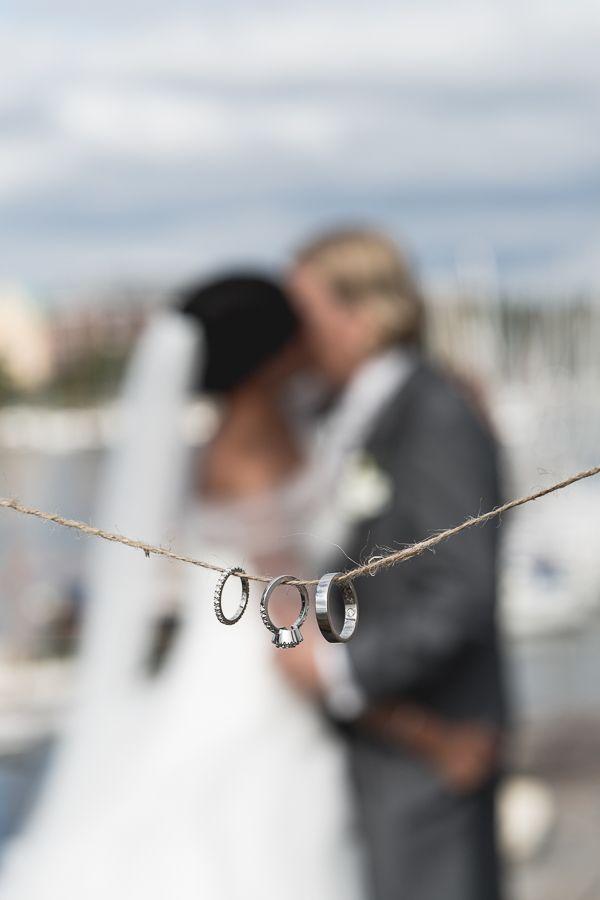 Rings by Kulmala   Photographer: Tuukka Ervasti #kulmalajewellery #happilyeverafter #summerwedding