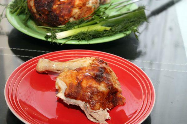 Просто вкусная запеченная курица Курица (1,8 кг) 1 шт. Соль ½ ч.л. Перец черный молотый ½ ч.л. Горчица русская 2 ч.л.